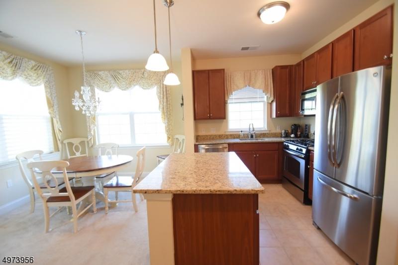 Condominio/ Casa de pueblo por un Venta en 5113 SANCTUARY BLVD Riverdale, Nueva Jersey 07457 Estados Unidos