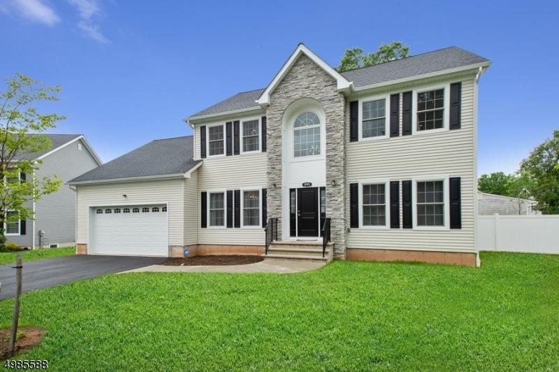 Single Family Homes 为 销售 在 南普莱恩菲尔德, 新泽西州 07080 美国