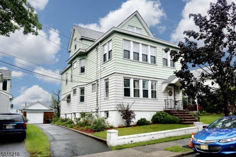 Multi-Family Homes 용 매매 에 East Rutherford, 뉴저지 07073 미국