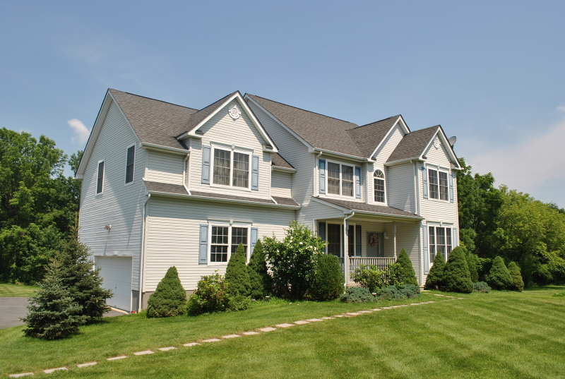 Casa Unifamiliar por un Venta en 8 Cliffside Drive Stewartsville, Nueva Jersey 08886 Estados Unidos