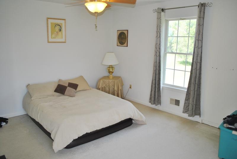 Additional photo for property listing at 8 Cliffside Drive  Stewartsville, Nueva Jersey 08886 Estados Unidos