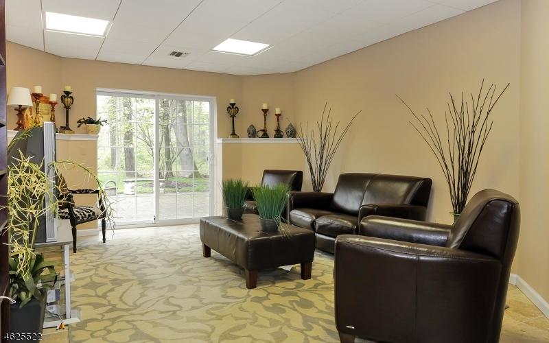 Additional photo for property listing at 34 Baltusrol Way  Far Hills, Нью-Джерси 07931 Соединенные Штаты