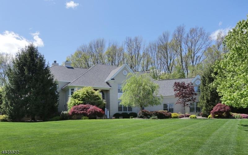 Частный односемейный дом для того Продажа на 34 Baltusrol Way Far Hills, Нью-Джерси 07931 Соединенные Штаты