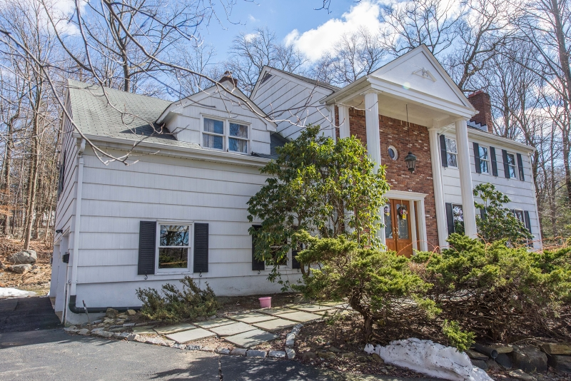 Additional photo for property listing at 21 The Crossway  Kinnelon, New Jersey 07405 États-Unis