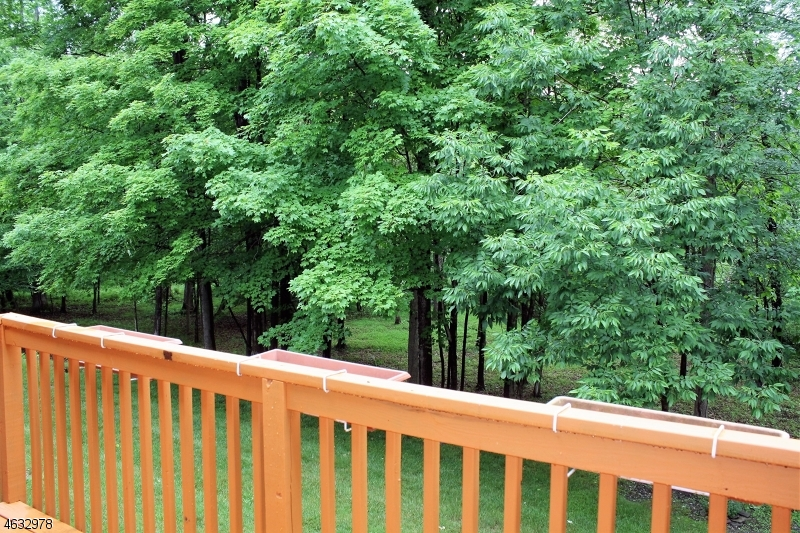 Additional photo for property listing at 3 PELICAN PT  Newton, New Jersey 07860 United States