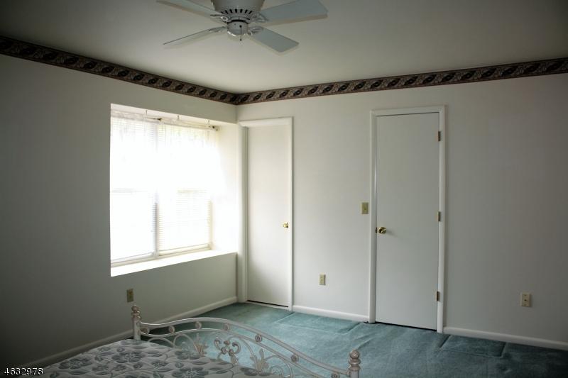 Additional photo for property listing at 3 PELICAN PT  Newton, Нью-Джерси 07860 Соединенные Штаты