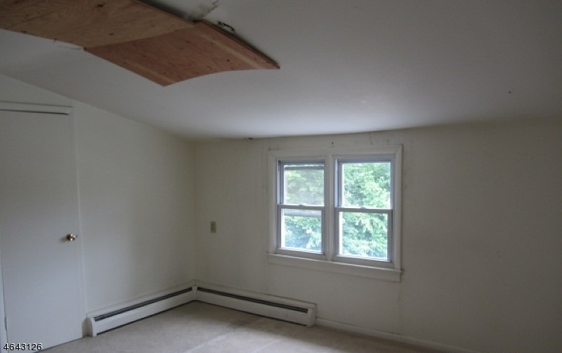 Additional photo for property listing at 177 Prospect Street  South Bound Brook, New Jersey 08880 United States