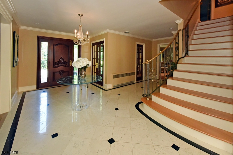 Additional photo for property listing at 13 Denison Dr E  Saddle River, New Jersey 07458 United States