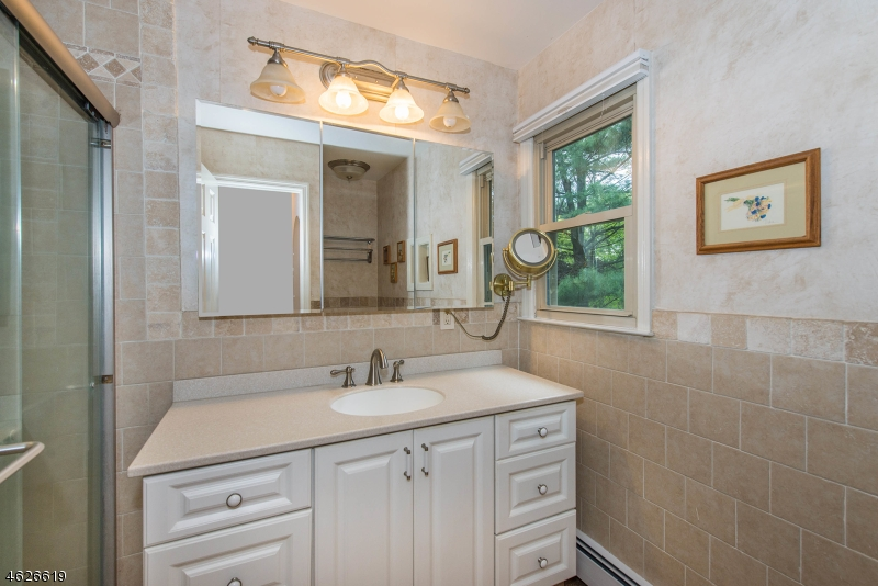 Additional photo for property listing at 21 Copeland Road  Denville, New Jersey 07834 United States