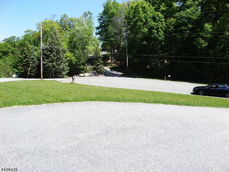 Additional photo for property listing at 3 RED OAK Court  Sussex, Нью-Джерси 07461 Соединенные Штаты