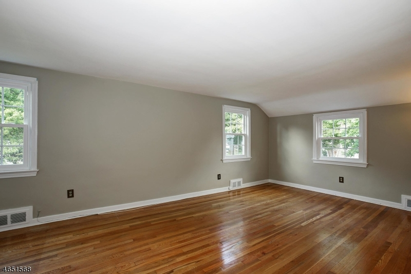 Additional photo for property listing at 116 Glenbrook Road  Morris Plains, Нью-Джерси 07950 Соединенные Штаты