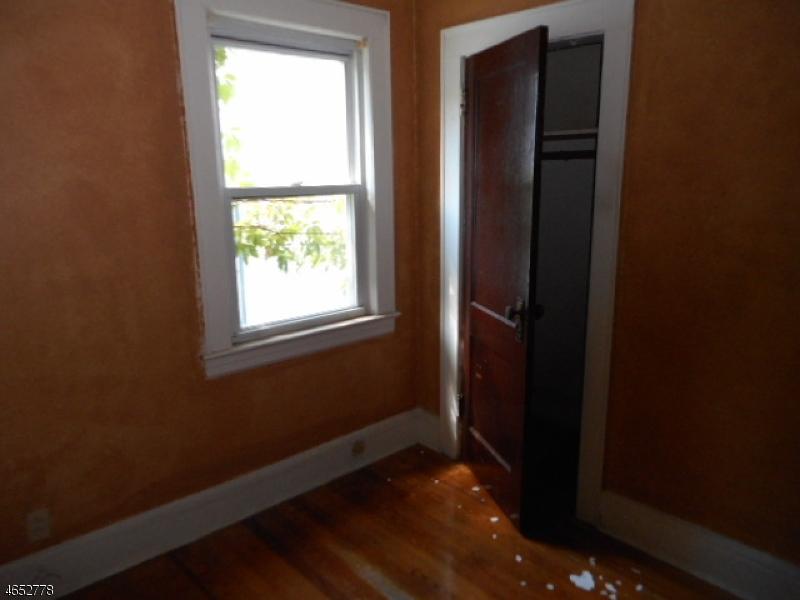 Additional photo for property listing at 14 Coolidge Street  Irvington, Nueva Jersey 07111 Estados Unidos