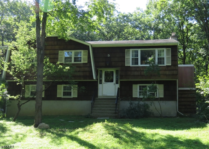 Additional photo for property listing at 5 Harding Road  Andover, Nueva Jersey 07821 Estados Unidos