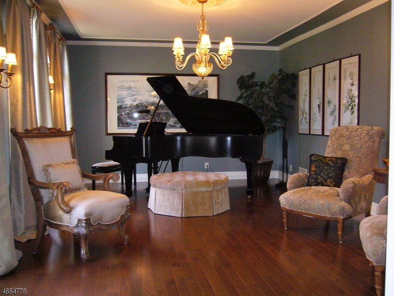 Additional photo for property listing at 19 Nottingham Way  Warren, Nueva Jersey 07059 Estados Unidos