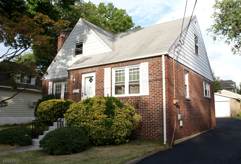 Single Family Home for Sale at 31 MAPLE Street Ridgefield Park, 07660 United States