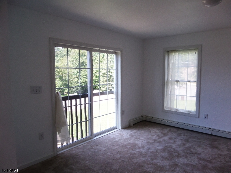 Additional photo for property listing at 3 RED OAK Court  Sussex, New Jersey 07461 États-Unis