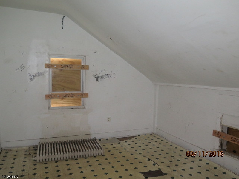 Additional photo for property listing at 162 W Main Street  Bound Brook, 新泽西州 08805 美国