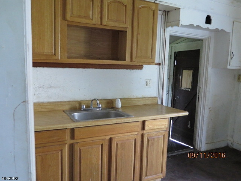 Additional photo for property listing at 162 W Main Street  Bound Brook, New Jersey 08805 États-Unis