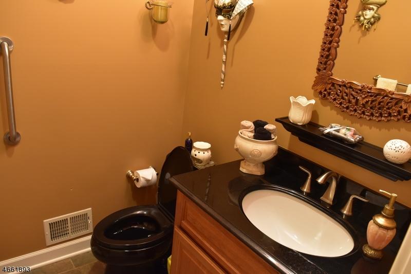 Additional photo for property listing at 248 Hedgerow Road  Bridgewater, Нью-Джерси 08807 Соединенные Штаты
