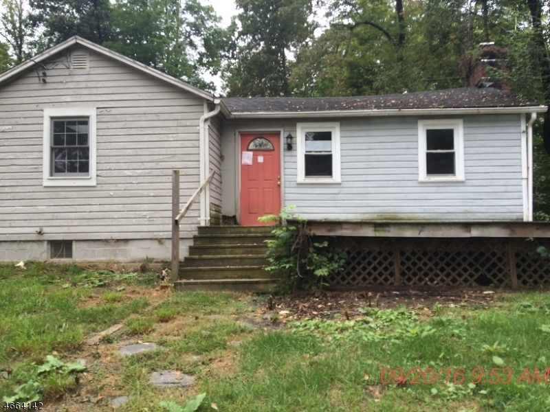 独户住宅 为 销售 在 141 State Route 15 拉斐特, 新泽西州 07848 美国