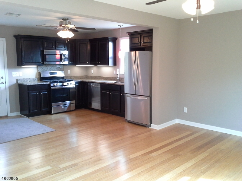Additional photo for property listing at 62 S Park Street  Manville, Нью-Джерси 08835 Соединенные Штаты