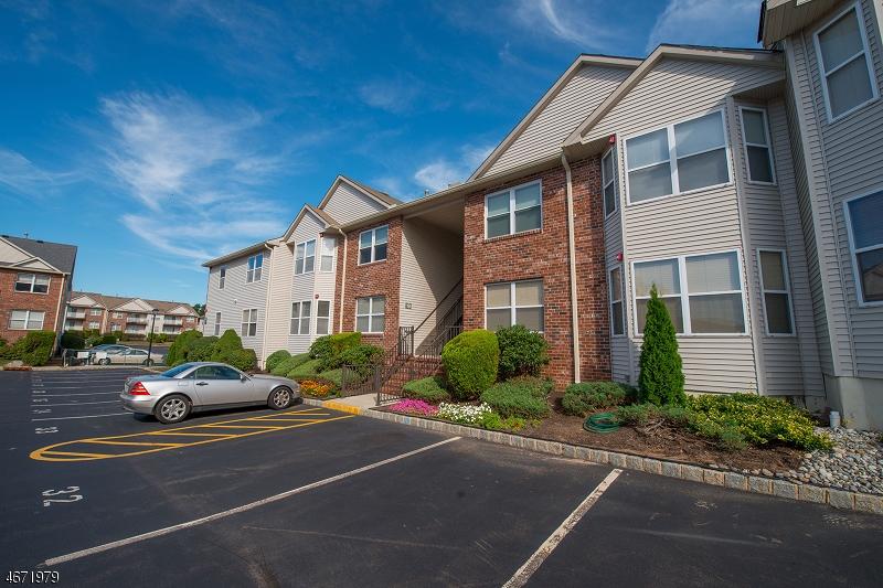 Casa Unifamiliar por un Alquiler en 19 Gracie Road East Hanover, Nueva Jersey 07936 Estados Unidos