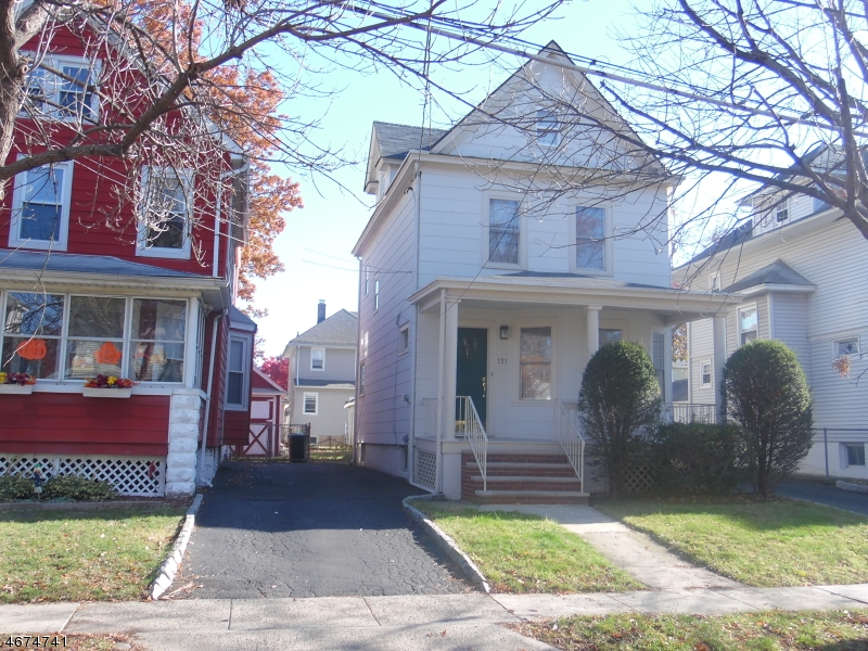 Single Family Home for Sale at 121 Berwyn Street Roselle Park, 07204 United States