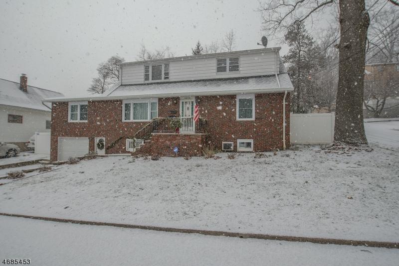 Casa Unifamiliar por un Alquiler en 40 Prospect Street Hawthorne, Nueva Jersey 07506 Estados Unidos