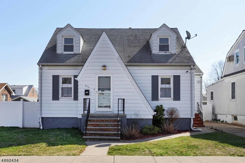 独户住宅 为 销售 在 158 Harrison Avenue Carteret, 新泽西州 07008 美国