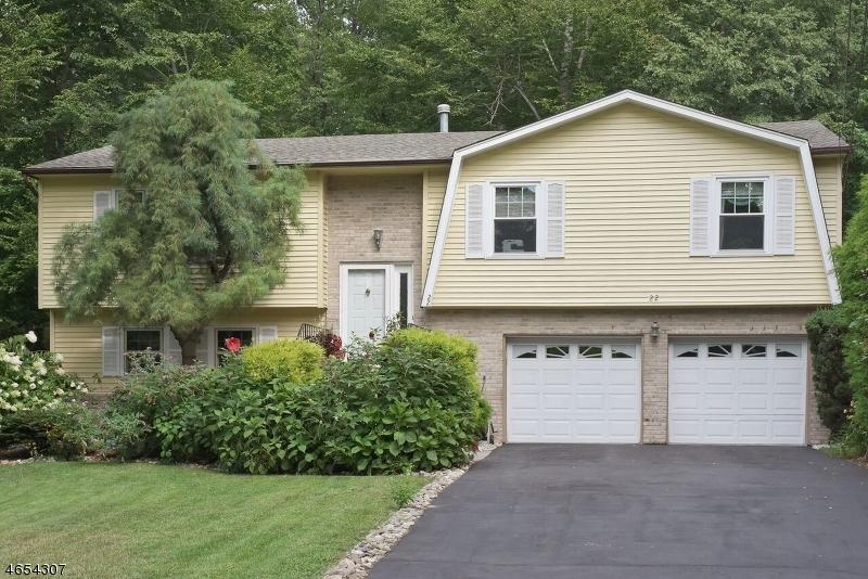 独户住宅 为 销售 在 22 7th Avenue Mine Hill, 07803 美国
