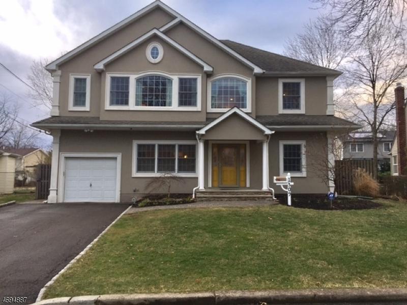 Maison unifamiliale pour l Vente à 1309 Prospect Drive Linden, New Jersey 07036 États-Unis