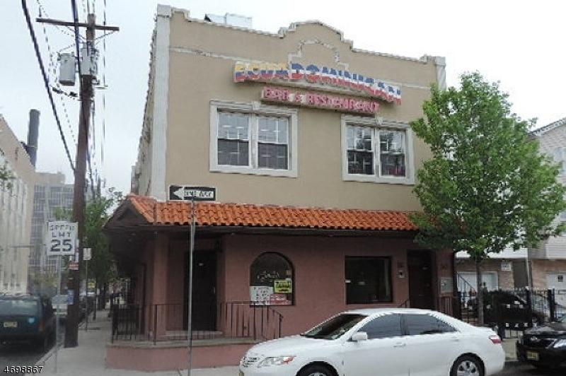 商用 為 出售 在 82-88 ORCHARD Street Newark, 新澤西州 07102 美國