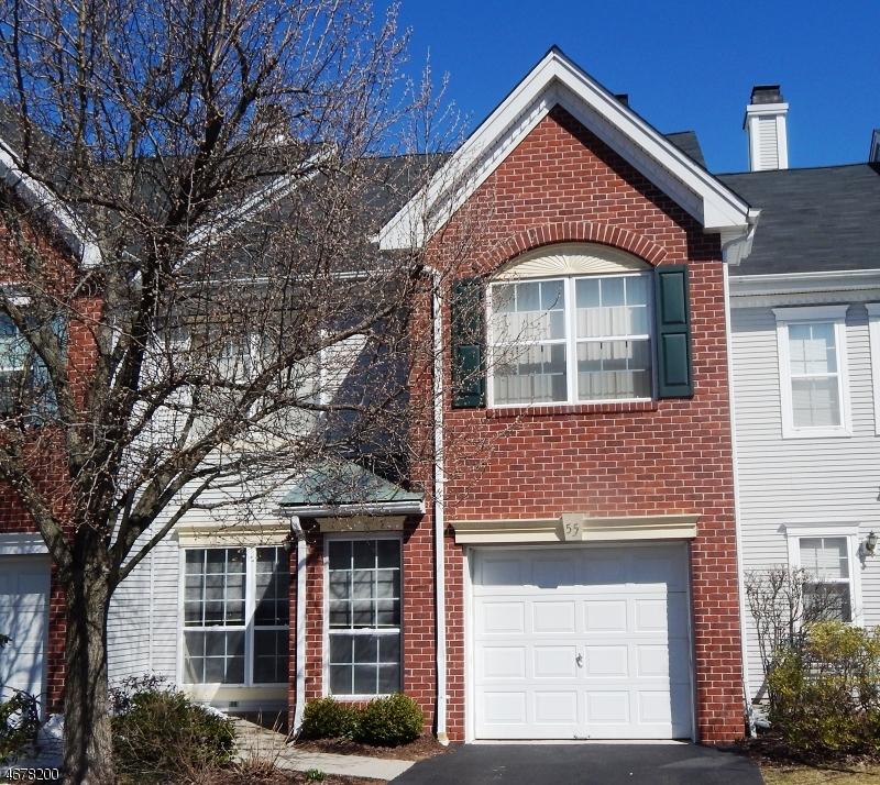 Maison unifamiliale pour l à louer à 55 Heritage Court Montville, New Jersey 07082 États-Unis