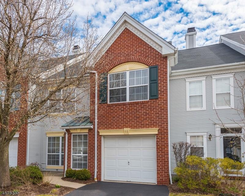Частный односемейный дом для того Аренда на 55 Heritage Court Montville, Нью-Джерси 07082 Соединенные Штаты