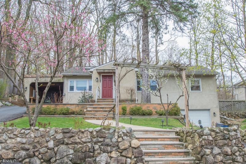 独户住宅 为 销售 在 526 ATLAS Road Landing, 07850 美国