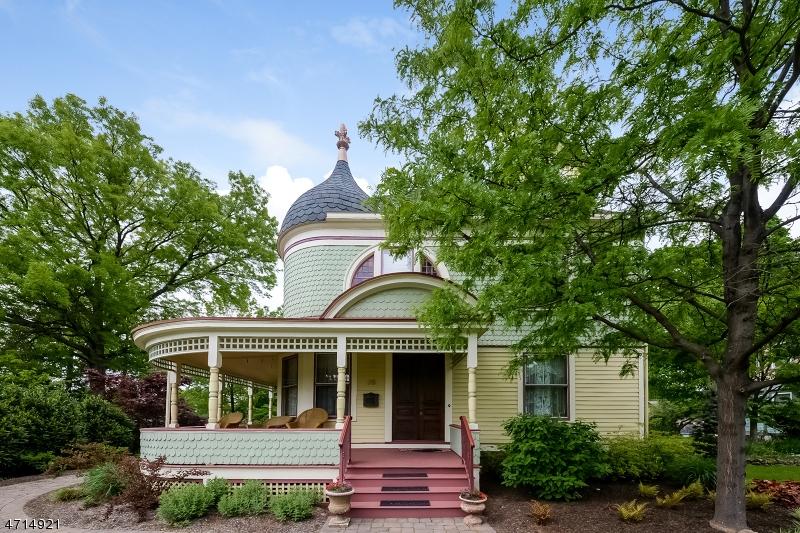 Частный односемейный дом для того Продажа на 28 MAPLE AVENUE Flemington, 08822 Соединенные Штаты
