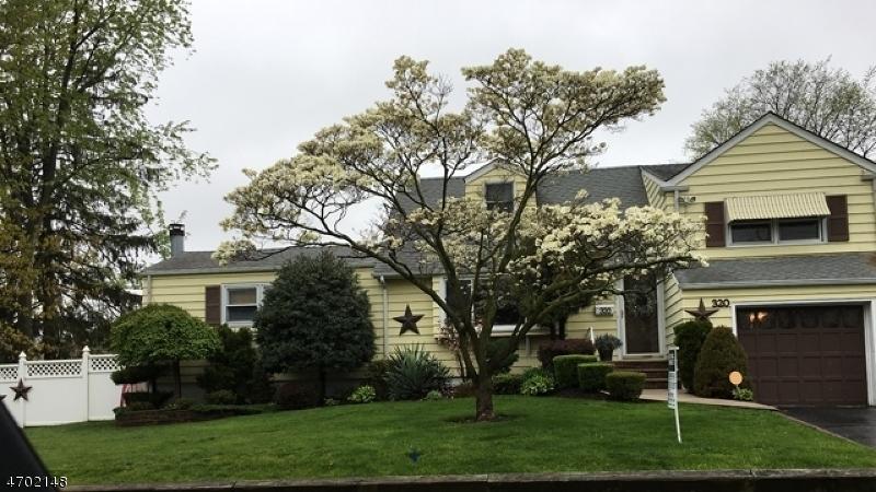 Casa Unifamiliar por un Venta en 320 Rudolph Avenue Rahway, Nueva Jersey 07065 Estados Unidos