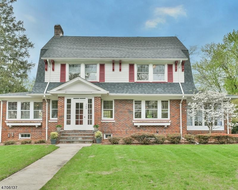 Частный односемейный дом для того Аренда на 160 Linden Avenue Glen Ridge, Нью-Джерси 07028 Соединенные Штаты