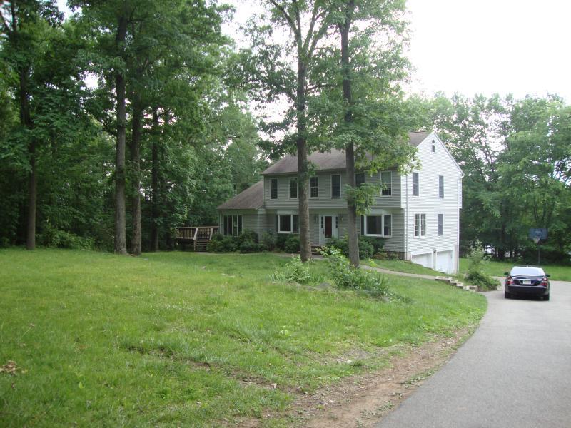Частный односемейный дом для того Аренда на 15 Woodland Road Montville, Нью-Джерси 07045 Соединенные Штаты