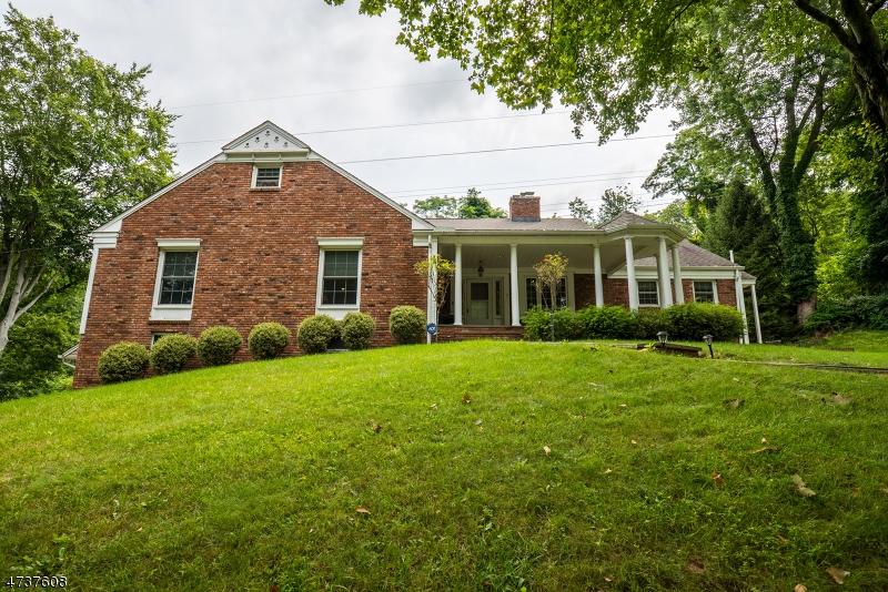 独户住宅 为 销售 在 7 Sunset Ter 查塔姆, 新泽西州 07928 美国