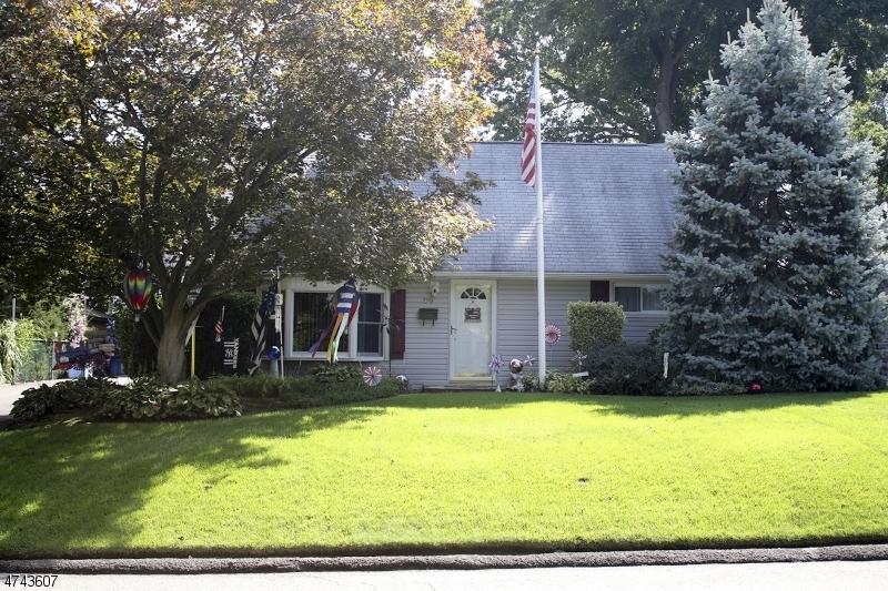 Частный односемейный дом для того Продажа на 96 Millington Drive Midland Park, Нью-Джерси 07432 Соединенные Штаты