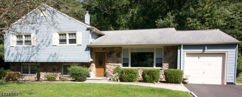Einfamilienhaus für Verkauf beim 188 Sutton Drive 188 Sutton Drive Berkeley Heights, New Jersey 07922 Vereinigte Staaten