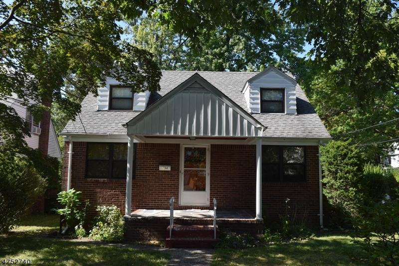 Maison unifamiliale pour l Vente à 196 Broad Avenue Leonia, New Jersey 07605 États-Unis