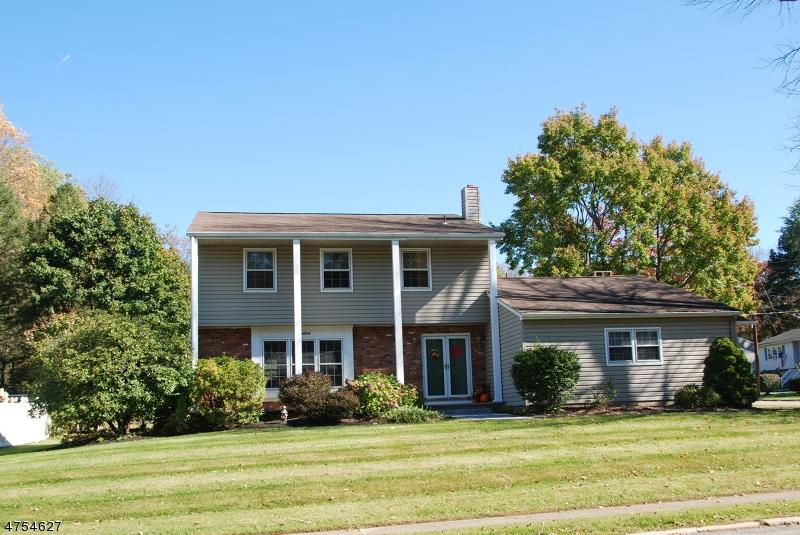 Μονοκατοικία για την Πώληση στο 12 Pershing Avenue Mount Olive, Νιου Τζερσεϋ 07828 Ηνωμενεσ Πολιτειεσ