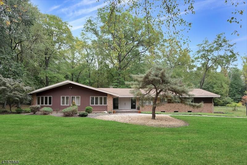 Casa Unifamiliar por un Venta en 50 Deerhill Drive Ho Ho Kus, Nueva Jersey 07423 Estados Unidos