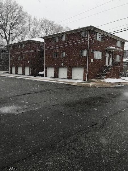 Comercial por un Venta en 93 Mount Vernon Avenue Irvington, Nueva Jersey 07111 Estados Unidos