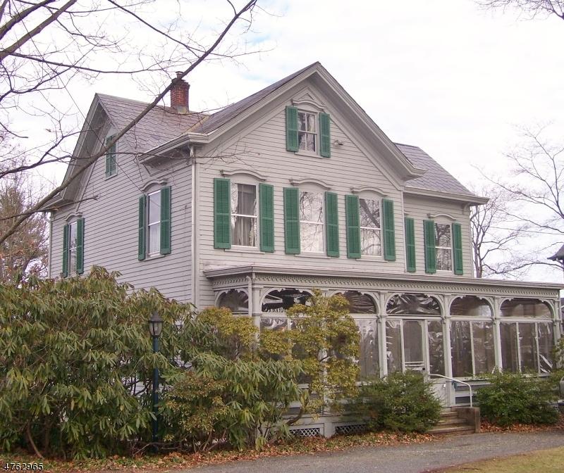 Enfamiljshus för Försäljning vid 56 Main Street 56 Main Street Lebanon, New Jersey 08833 Usa