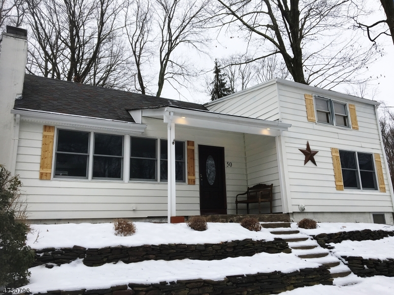 Частный односемейный дом для того Продажа на 52 Hilltop Trail Sparta, Нью-Джерси 07871 Соединенные Штаты