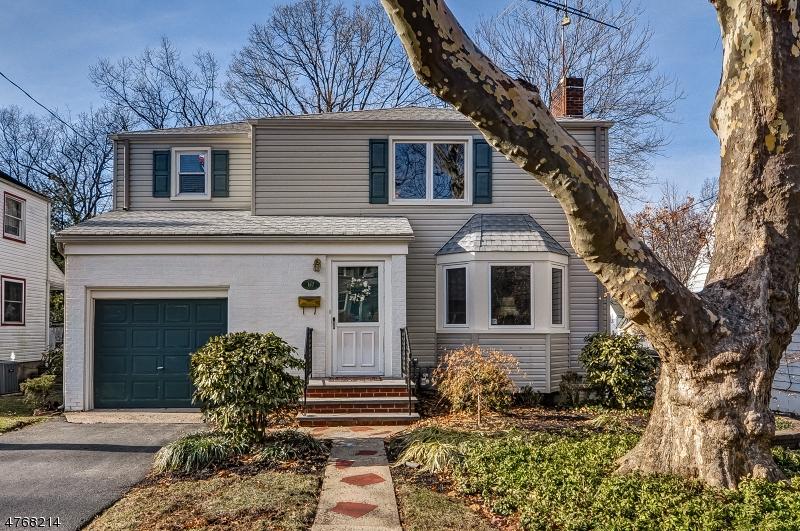 Частный односемейный дом для того Продажа на 167 Belvidere Avenue Fanwood, Нью-Джерси 07023 Соединенные Штаты