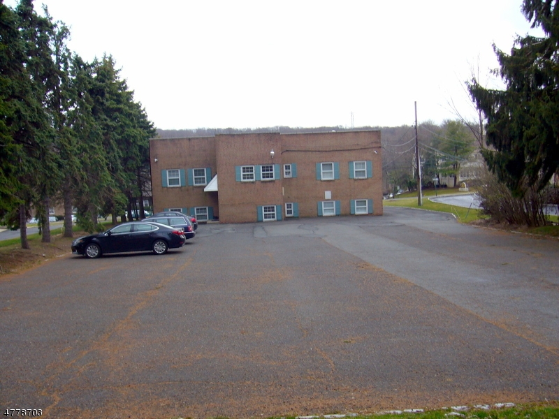 Additional photo for property listing at 744 Mountain Blvd  Watchung, New Jersey 07069 États-Unis